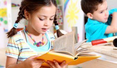 1. sınıf çocuğuna nasıl ders çalıştırılır? Okula yeni başlayan çocuklara ders çalışma alışkanlığı nasıl kazandırılır?