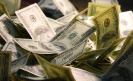 Dolar ve euro haftaya yükselişle başladı