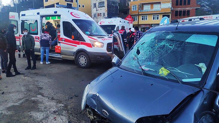 Rize'de kamyonetler çarpıştı! Çok sayıda yaralı var