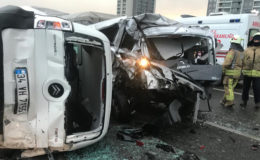 Son dakika… Esenyurt TEM Otoyolu'nda zincirleme kaza