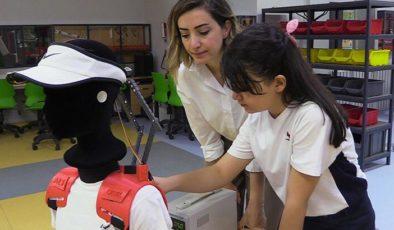 9 yaşındaki mucit ALS hastaları için aparat geliştirdi